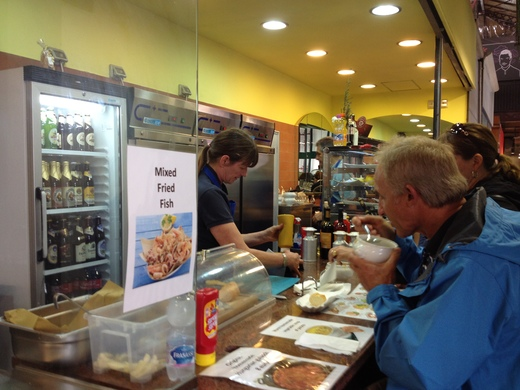中央市場、カーチャのドイツ料理店_a0136671_2047.jpg