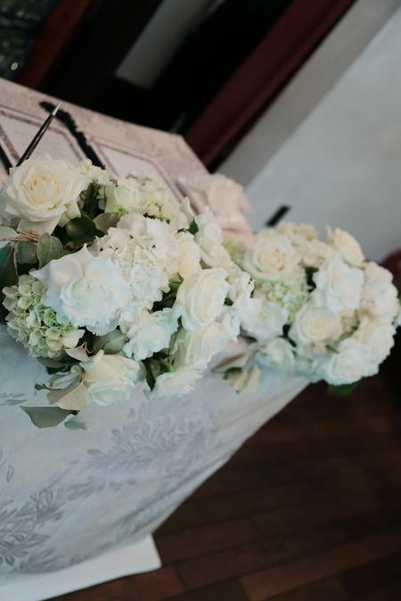 初夏の装花 シェ松尾松濤レストランさまへ  薔薇と、薄い紫で_a0042928_105139.jpg