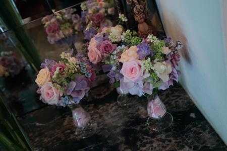 初夏の装花 シェ松尾松濤レストランさまへ  薔薇と、薄い紫で_a0042928_1052474.jpg