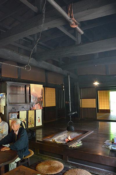 中山道木曽路 馬籠宿から妻籠宿を行く_e0164563_9445100.jpg
