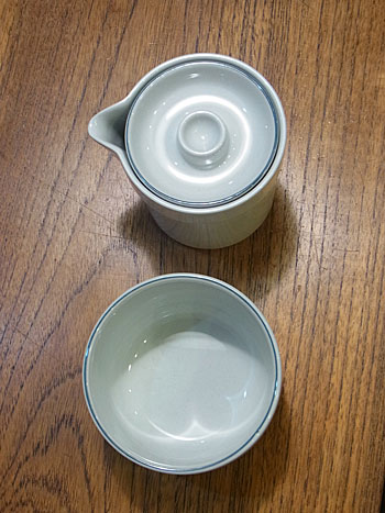 milk pitcher & suger pot(royal copenhagen)_c0139773_18594232.jpg