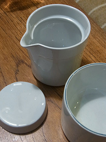 milk pitcher & suger pot(royal copenhagen)_c0139773_18594911.jpg