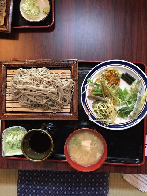 木草庵さんの「山菜そば祭り」_d0182179_1345320.jpg
