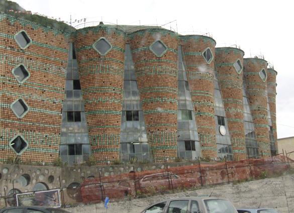 ヴィエトリ・スル・マーレ マジョルカ焼きで彩られたフォトジェニックな町_f0205783_1943567.jpg