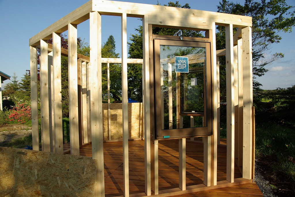 小屋作り・窓ちょっと贅沢だよ編。_a0107184_9462672.jpg