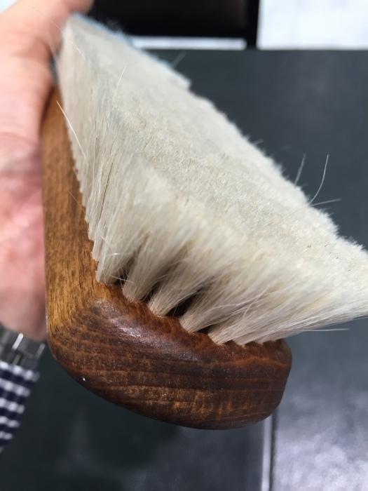 高級山羊毛ブラシ~エキゾチックレザーに最適ですよ~_b0226322_14164422.jpg