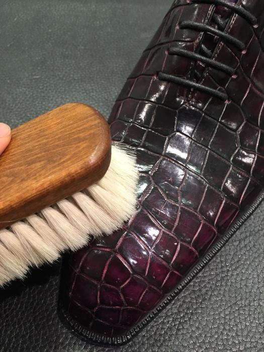 高級山羊毛ブラシ~エキゾチックレザーに最適ですよ~_b0226322_14164699.jpg