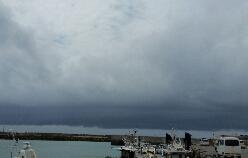 そろそろ梅雨入りか?!_b0124144_1723869.jpg