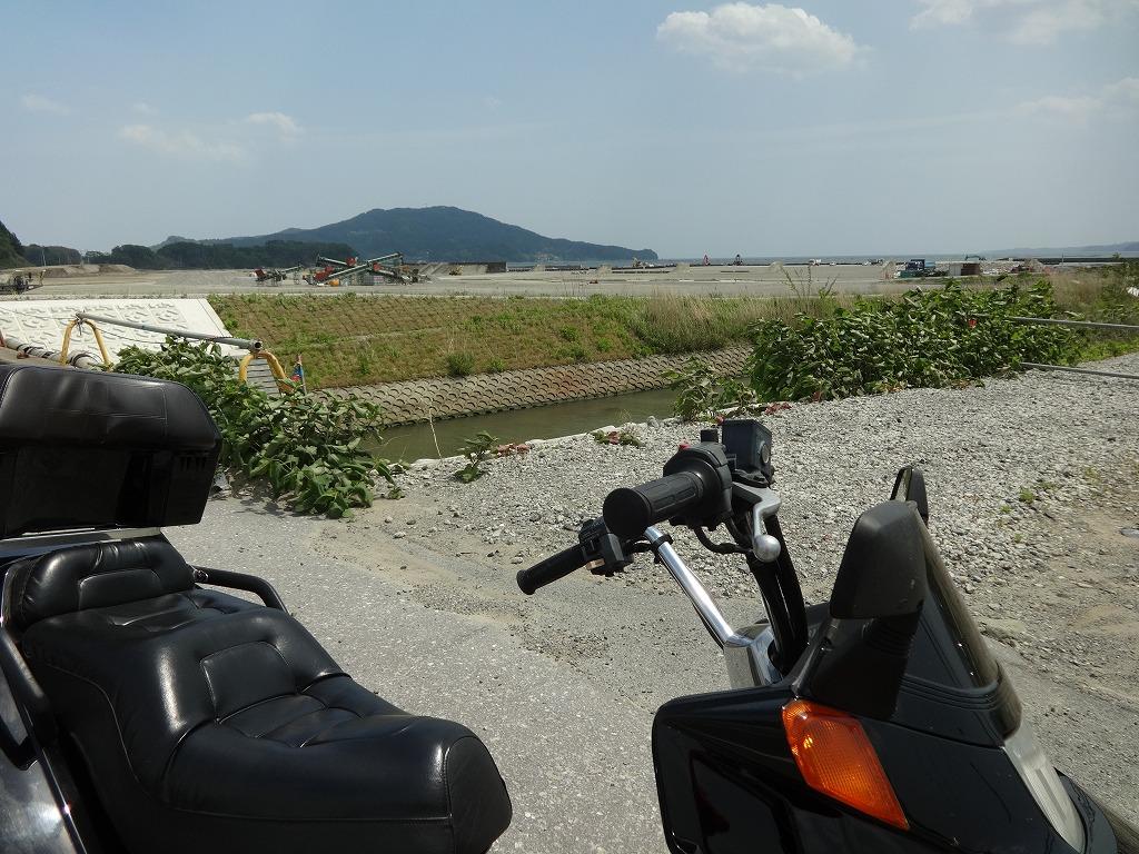 バイクで帰青!【5/14】 三陸被災地巡り~仙台の夜_d0061678_12463713.jpg