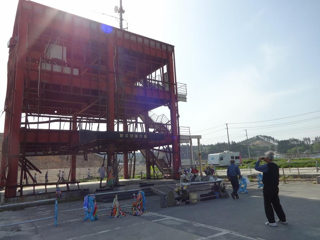 バイクで帰青!【5/14】 三陸被災地巡り~仙台の夜_d0061678_13202386.jpg