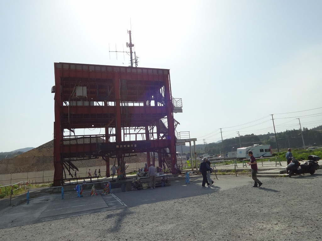 バイクで帰青!【5/14】 三陸被災地巡り~仙台の夜_d0061678_13203017.jpg