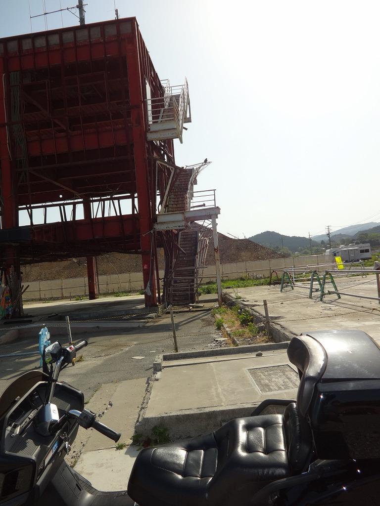 バイクで帰青!【5/14】 三陸被災地巡り~仙台の夜_d0061678_13211275.jpg