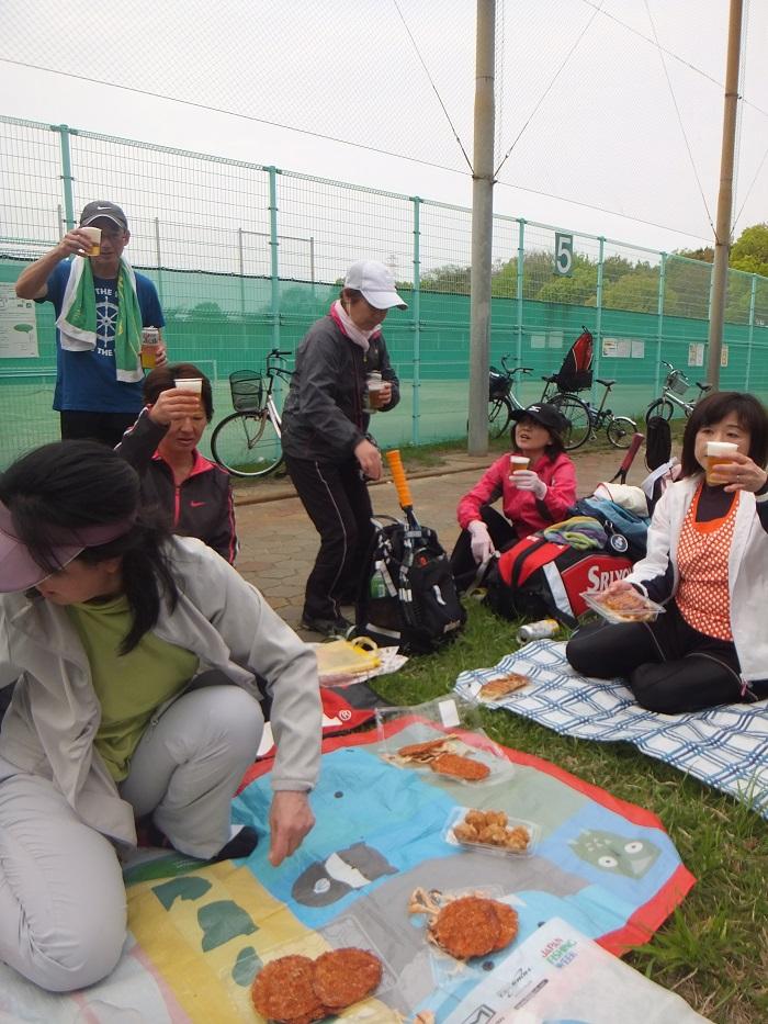 ◆テニスクラブ内対抗戦 ~やはりメインはアフター?~_f0238779_745154.jpg
