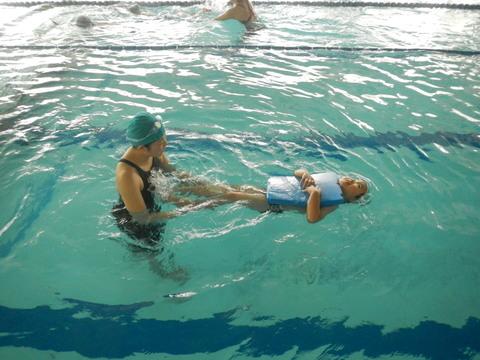 上手に泳げるかな??_b0286596_1414114.jpg