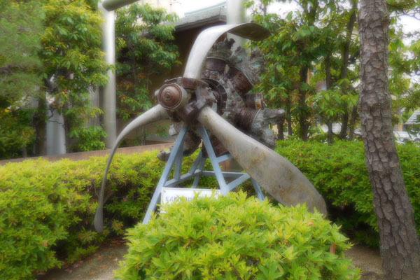飛行神社(ひこうじんじゃ)_a0045381_20115279.jpg