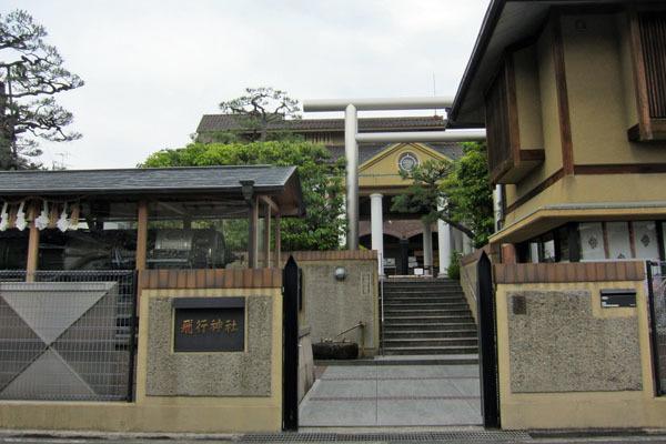 飛行神社(ひこうじんじゃ)_a0045381_20122060.jpg