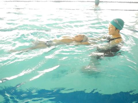 上手に泳げるかな??_b0286596_13404434.jpg