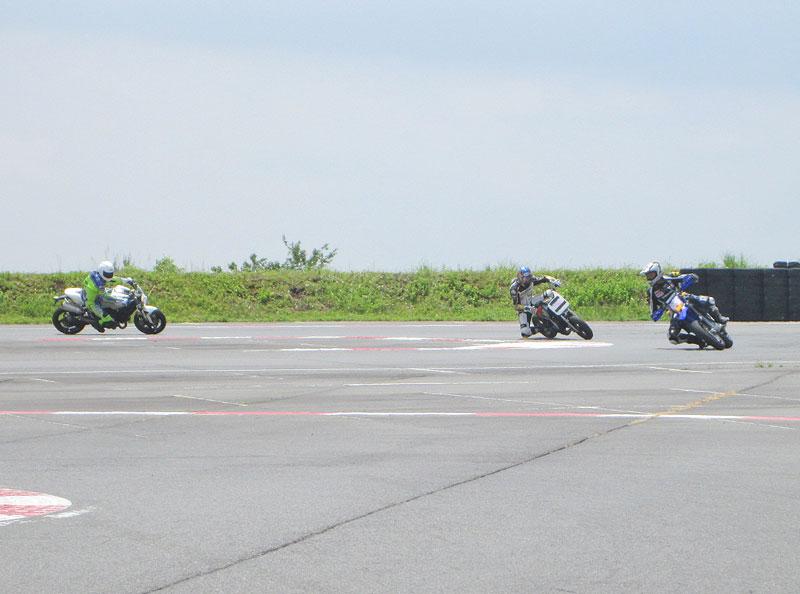 昨日は富士カートでバイク遊び三昧♪_c0086965_171845100.jpg