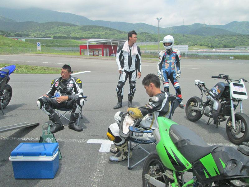 昨日は富士カートでバイク遊び三昧♪_c0086965_1723544.jpg