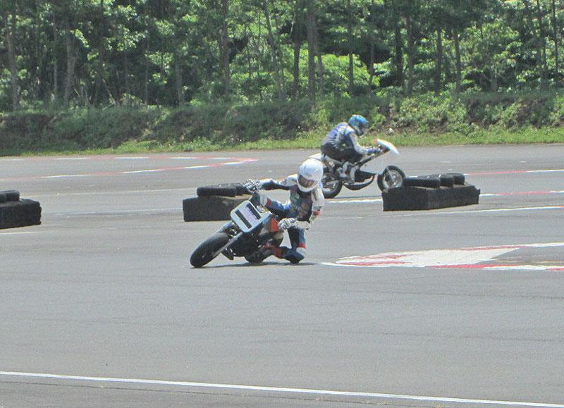 昨日は富士カートでバイク遊び三昧♪_c0086965_1744450.jpg