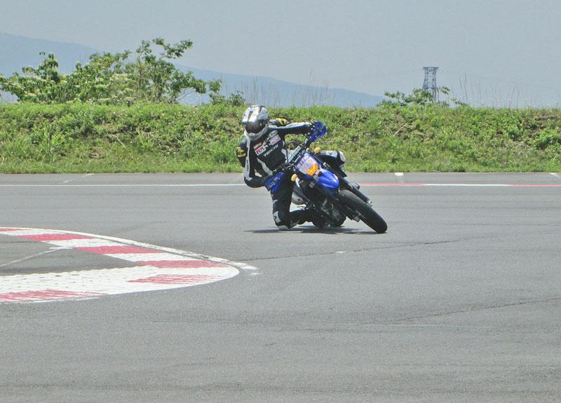 昨日は富士カートでバイク遊び三昧♪_c0086965_1791275.jpg