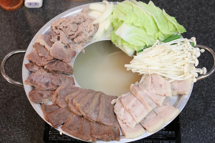ソウルのヌティナムのチョンゴル・スユクを真似て、とろとろゆで牛肉の鍋_a0223786_14164635.jpg