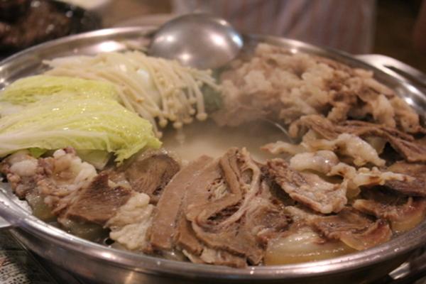 ソウルのヌティナムのチョンゴル・スユクを真似て、とろとろゆで牛肉の鍋_a0223786_14414440.jpg