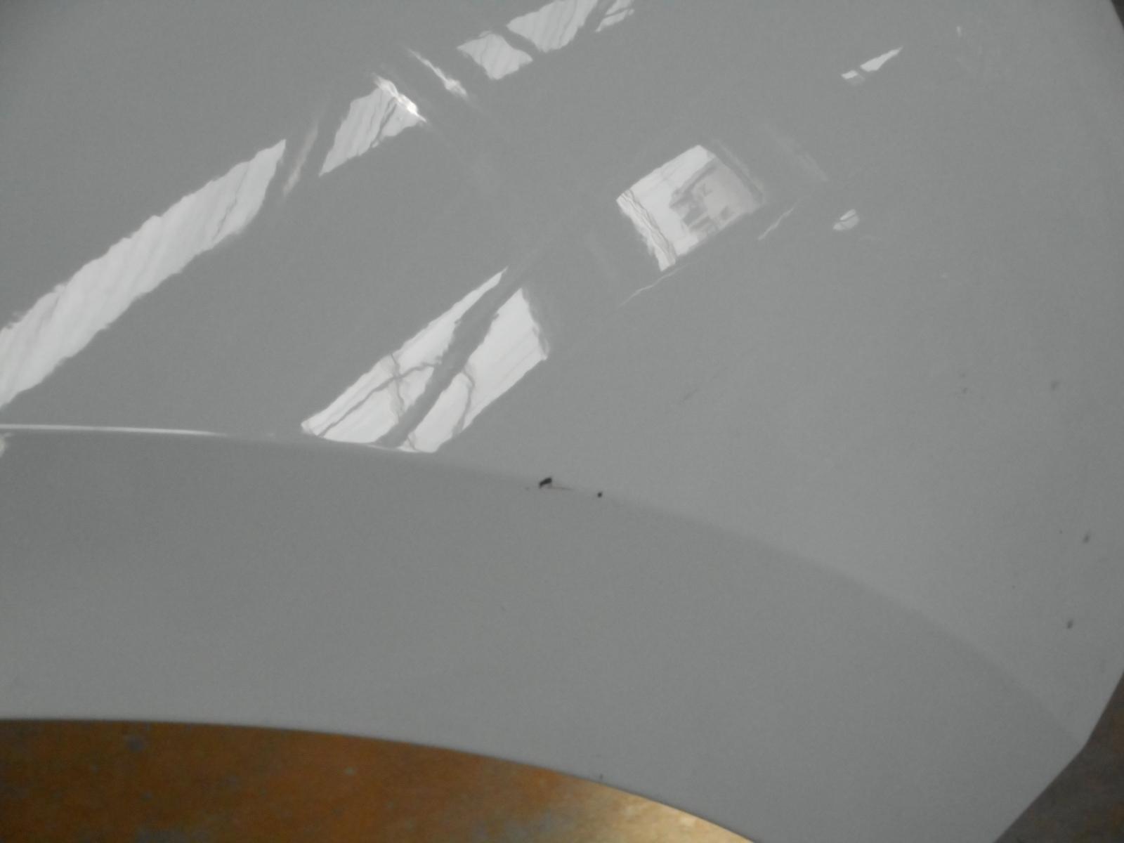 自社整備工場内でボデー塗装ができます。_c0267693_21502545.jpg