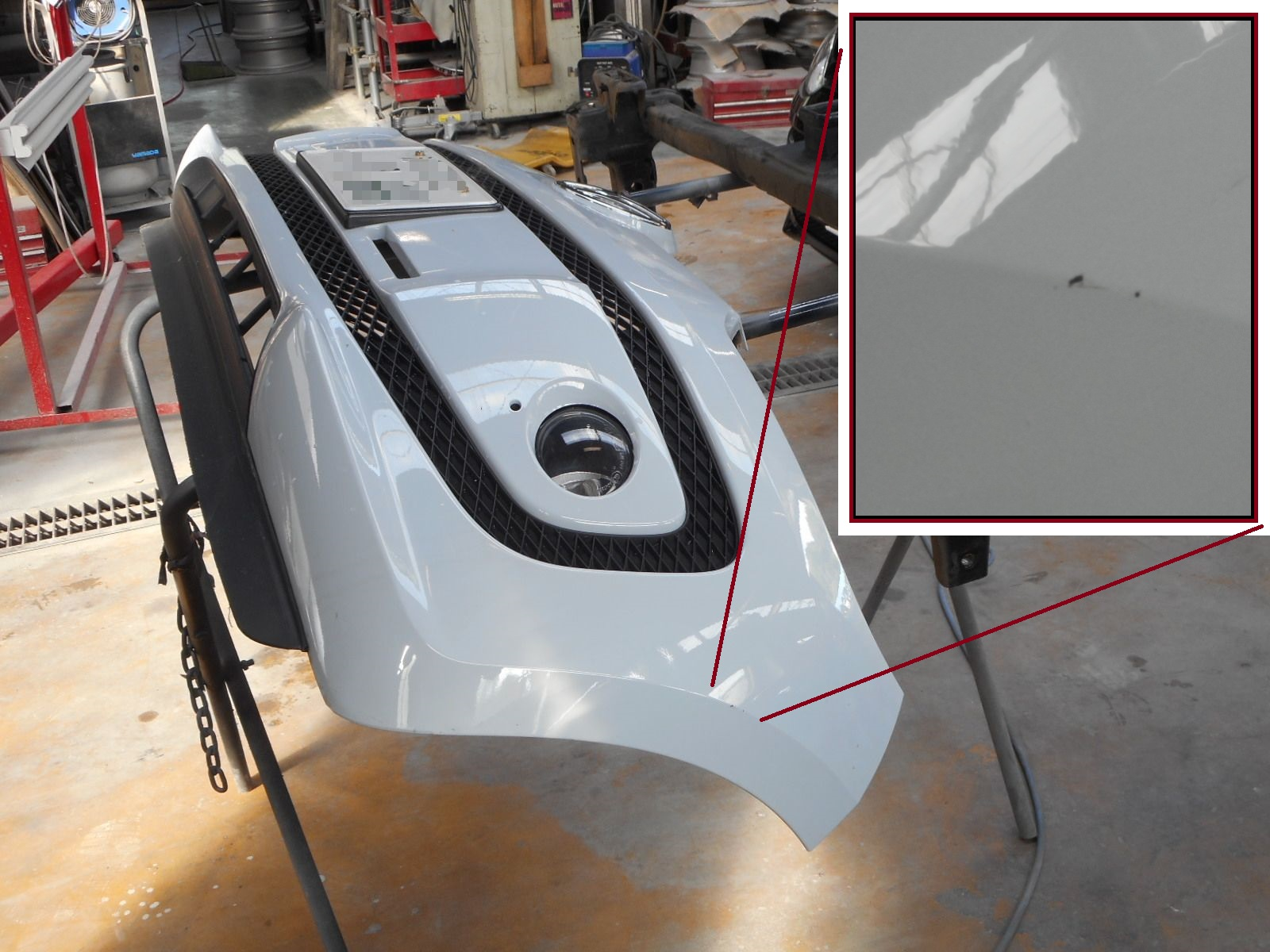 自社整備工場内でボデー塗装ができます。_c0267693_2150495.jpg