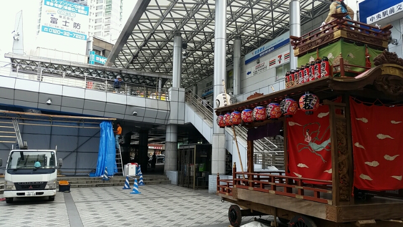 2015/05/23 横須賀中央 諏訪神社例大祭 駐車禁止貼紙貼りのお手伝い。_d0092901_15262459.jpg