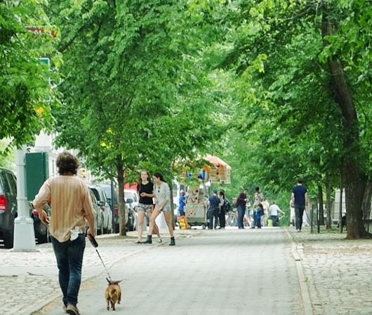 新緑の緑の美しいNYの美術館通り(Museum Mile)、6/9に恒例のフェスティバルも_b0007805_11215823.jpg