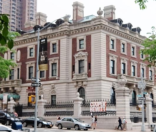 新緑の緑の美しいNYの美術館通り(Museum Mile)、6/9に恒例のフェスティバルも_b0007805_11221490.jpg