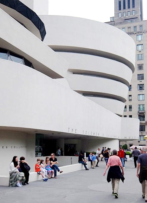 新緑の緑の美しいNYの美術館通り(Museum Mile)、6/9に恒例のフェスティバルも_b0007805_11224768.jpg