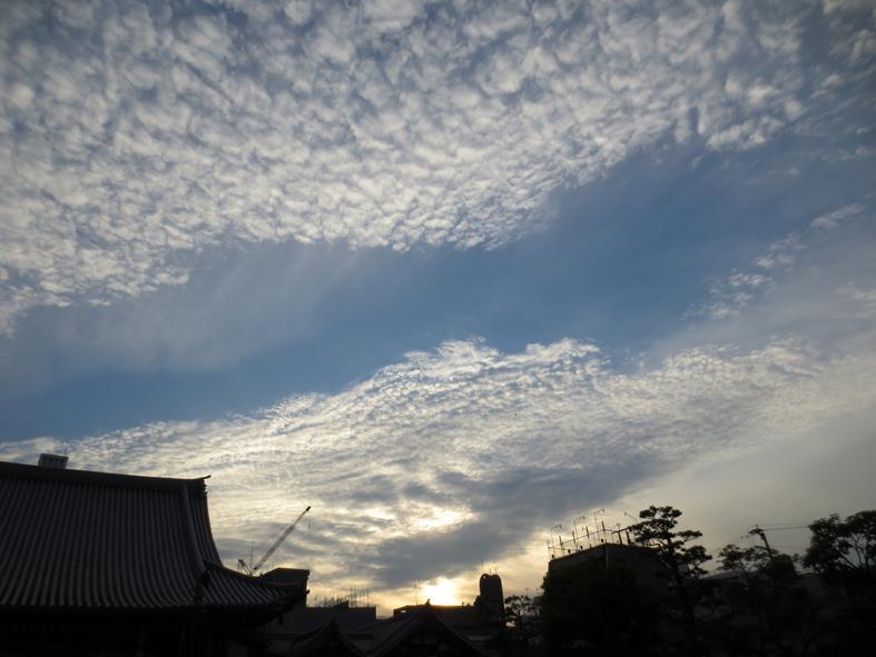 ■空模様は心もよう──週替わりの夕暮れ[5/20-22]_d0190217_0103019.jpg