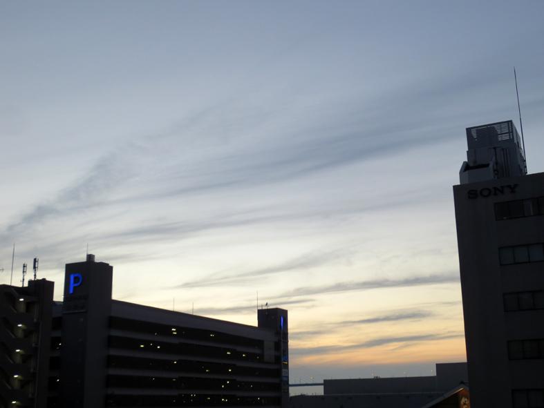 ■空模様は心もよう──週替わりの夕暮れ[5/20-22]_d0190217_034142.jpg