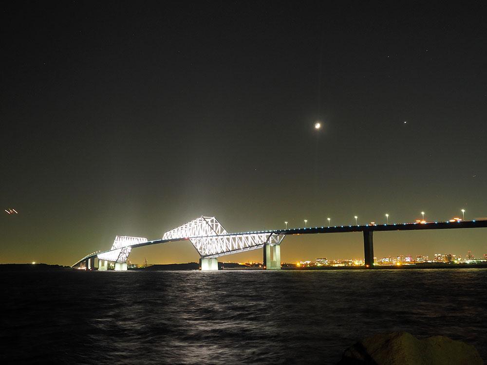 三日月と金星と東京ゲートブリッジ_f0324026_2332205.jpg