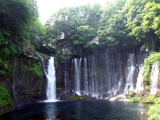 マイナスイオンたっぷりの白糸の滝。_b0089338_2023641.jpg