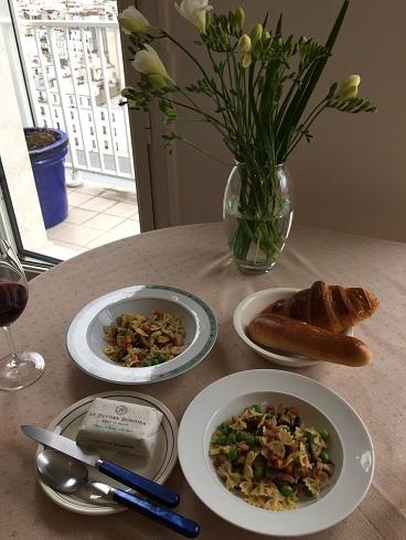 Paris アパルトマンでのお食事は?_b0060363_0213882.jpg