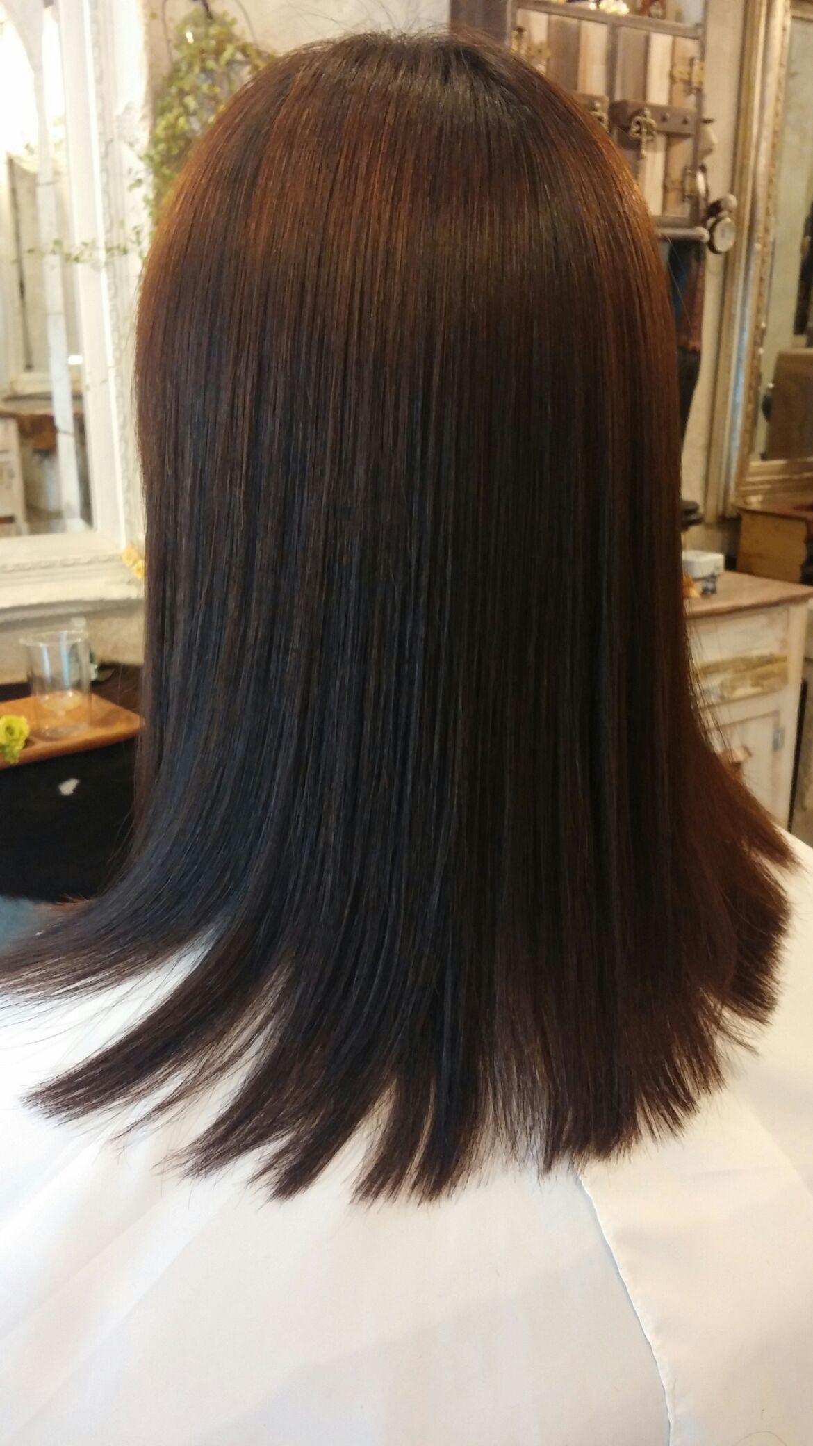 縮毛の矯正と毛先のラウンド。。。_b0210688_1826813.jpg