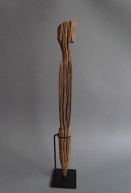 バタック族彫像_e0111789_1026223.jpg
