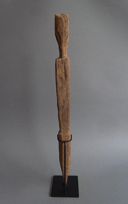 バタック族彫像_e0111789_10264673.jpg