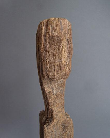 バタック族彫像_e0111789_10265766.jpg