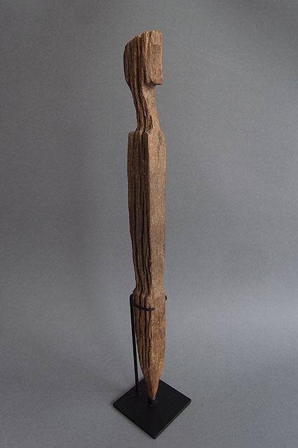 バタック族彫像_e0111789_1026964.jpg