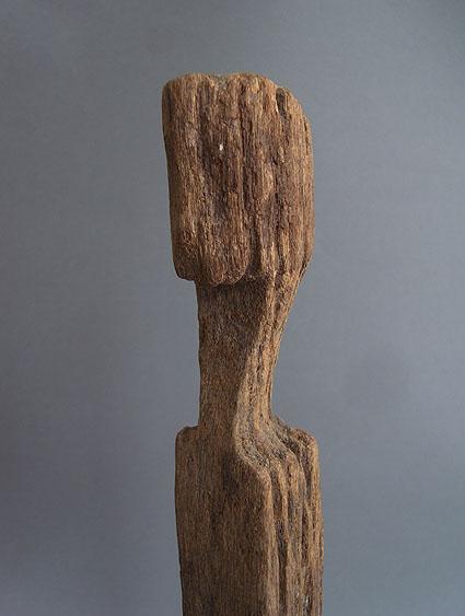 バタック族彫像_e0111789_1027414.jpg