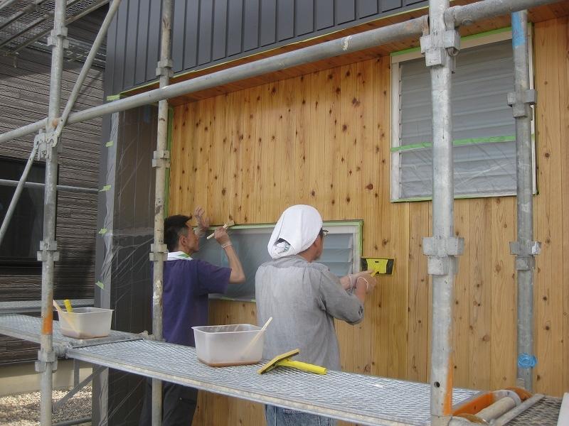 ■建て主施工(外部塗装作業)■_e0188083_18383281.jpg