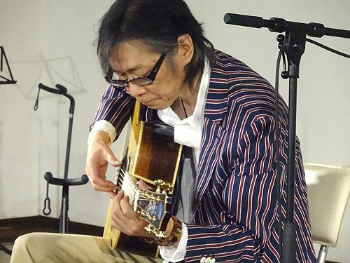 今年も行ってきました! TOKYOハンドクラフトギターフェス2015_c0137404_17234941.jpg