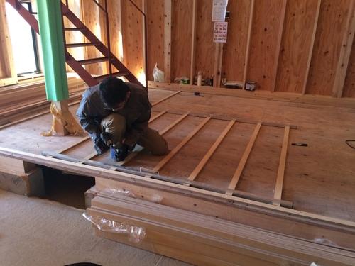 床暖房の配管工事です。_a0148909_9215237.jpg