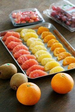 果物の冷凍保存 柑橘類とぶどう編 (おかずの素21)_b0048834_1003978.jpg
