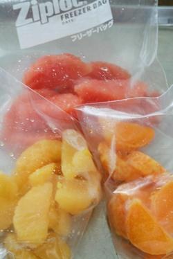果物の冷凍保存 柑橘類とぶどう編 (おかずの素21)_b0048834_1013433.jpg