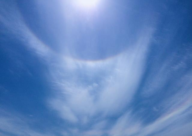 〔空と雲〕日暈~光の環~_b0298740_00043027.jpg